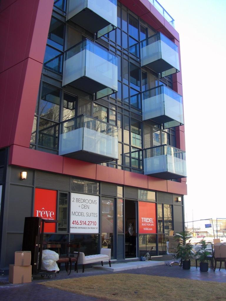Reve Condos Front View Toronto, Canada