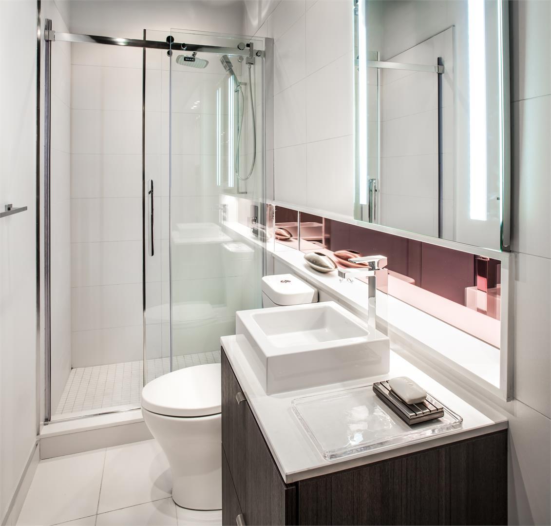 Smart House Condos Bathroom Toronto, Canada