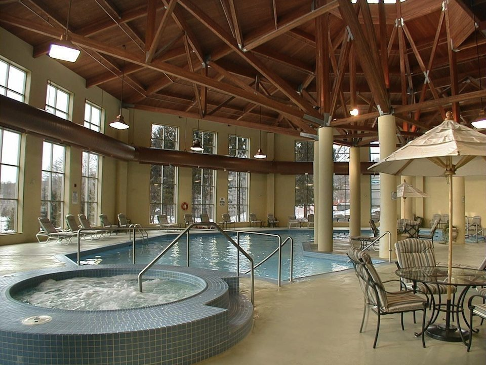 Deerhurst Resort Swimming Pool Toronto, Canada