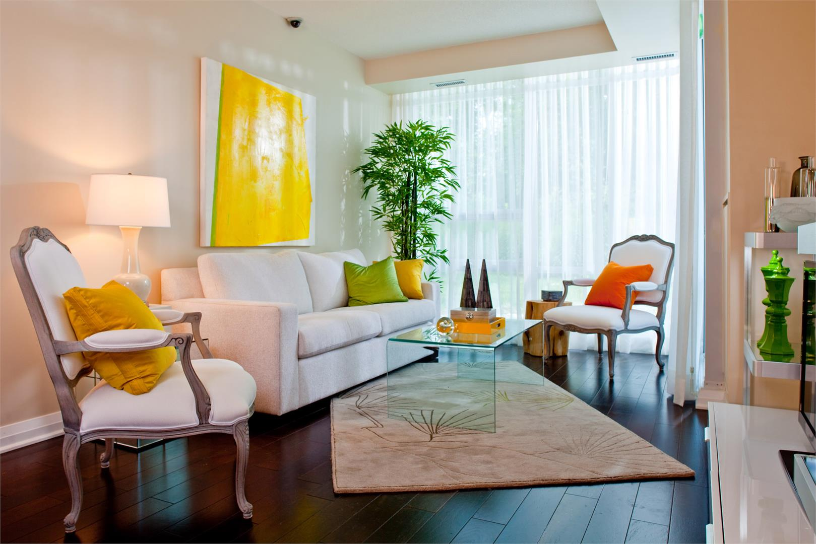 Stonebrook Condominiums Guest Toronto, Canada - Condo Investments
