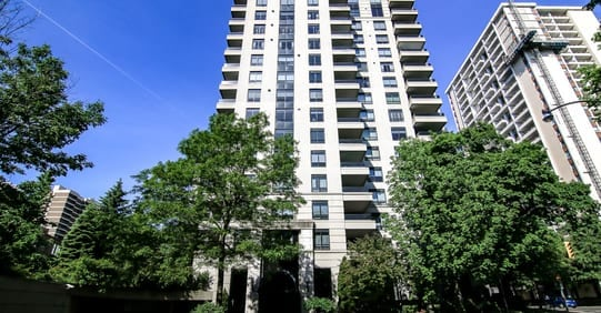 Exterior image of the Avoca Vale in Toronto