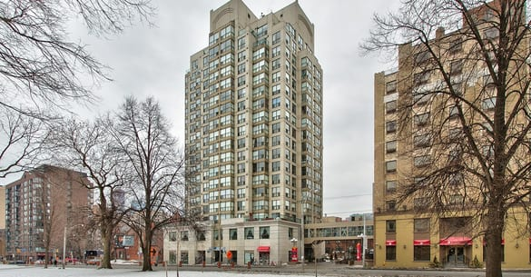 Exterior image of the Metropolitan Essex in Toronto