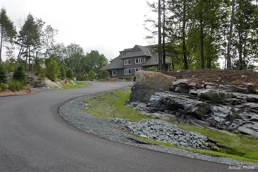 Treetops Condos driveway